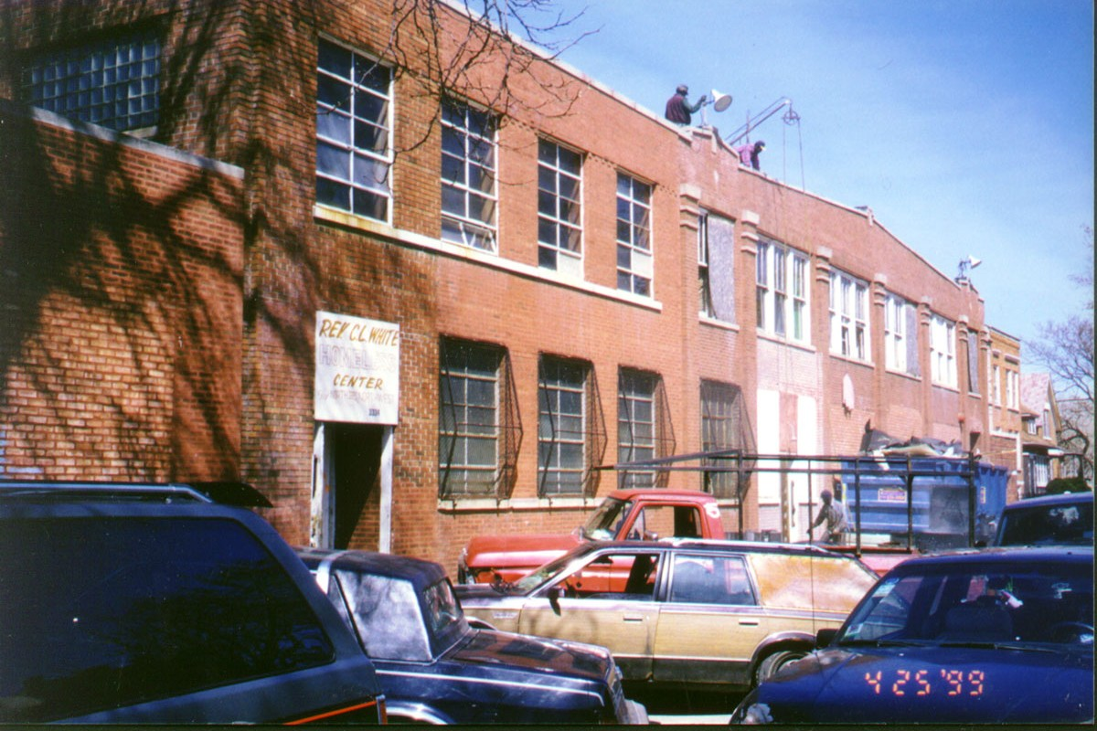 exterior of Breakthrough Women's Center in 2000