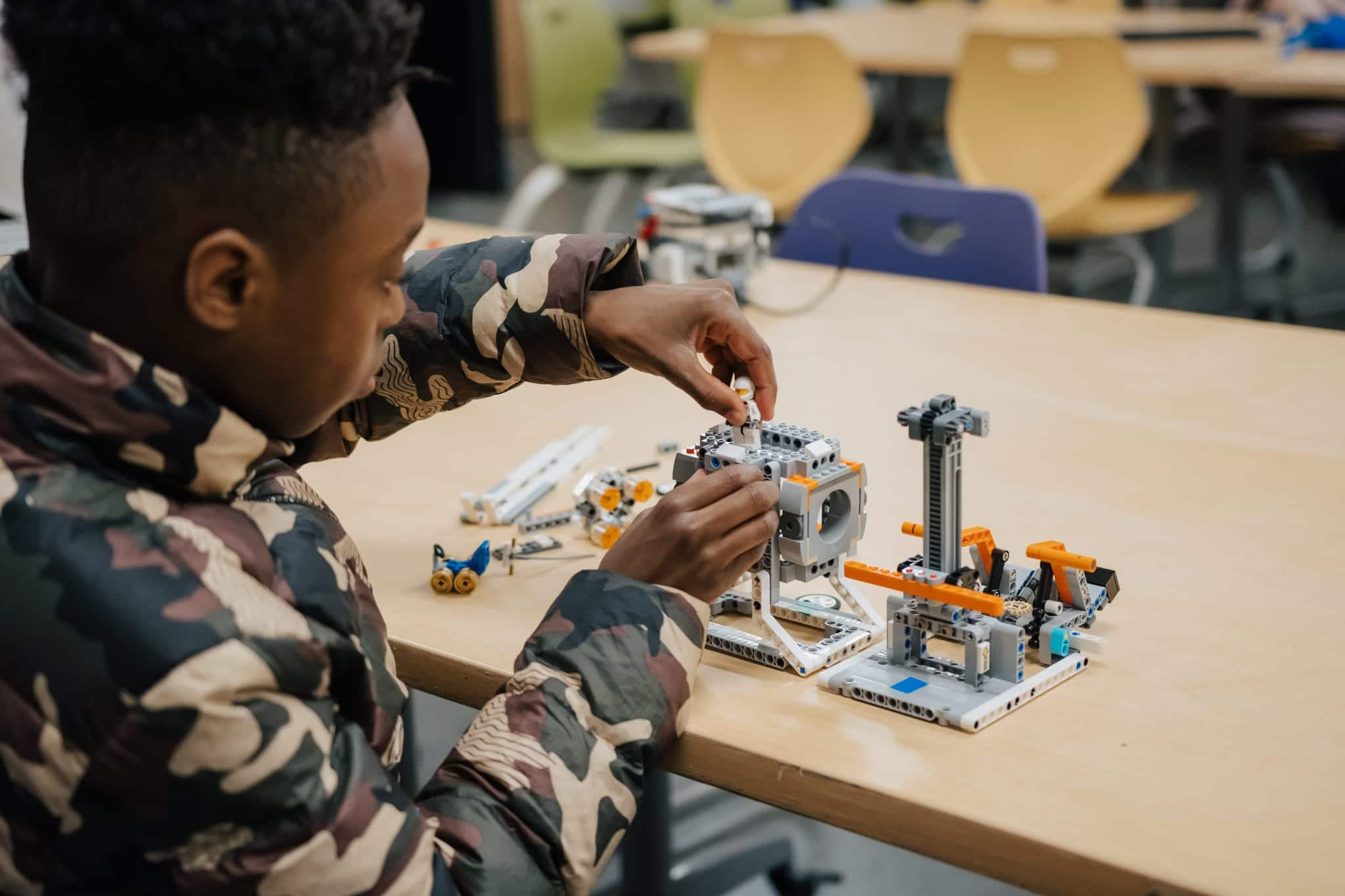 Robotics Students Address Challenges with Engineering 1